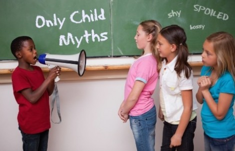 Trẻ con một sẽ khác biệt về cấu trúc não