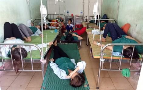 Hơn 50 nữ công nhân nhập viện cấp cứu sau bữa cơm trưa
