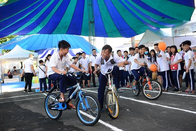 10.000 nguoi tham gia 'Phu My Hung huong ve tre em 2017'
