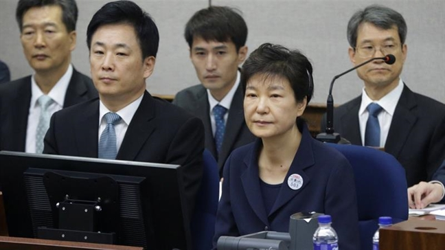 Noi dau cua cuu Tong thong Park Geun-hye trong phien toa voi ban than