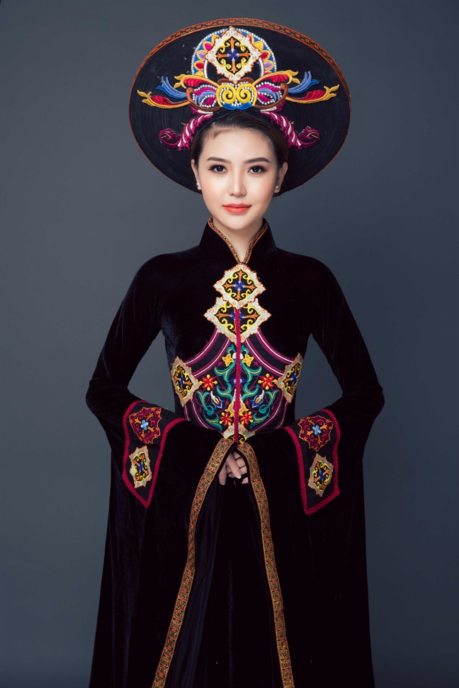 Ngam 20 bo ao dai NTK Nhat Dung tang bao tang Phu nu Nam Bo