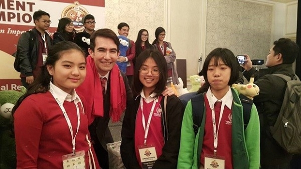 Vinschool dang cai cuoc thi 'The World Scholar's Cup 2017' vong loai the gioi