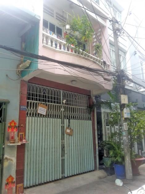 Nhà bị bán, thế chấp ngân hàng nhiều lần, chủ nhà vẫn không hay biết