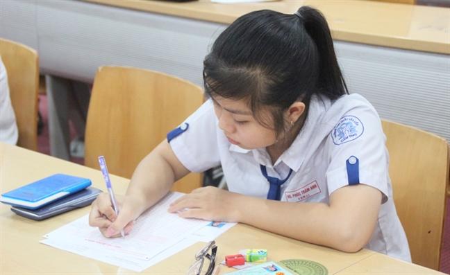 Hon 2000 thi sinh dau tien thi dai hoc 2017