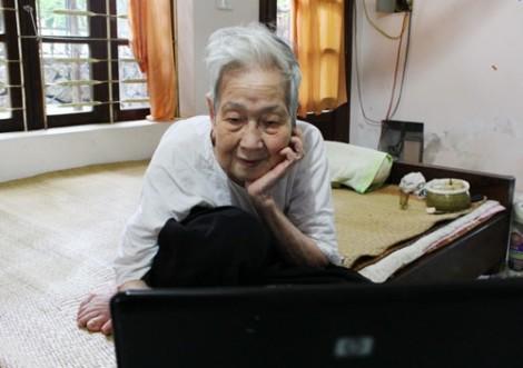 Cụ bà Việt Nam 97 tuổi vẫn lướt 'net': Tâm hồn tôi chỉ mới 20 thôi