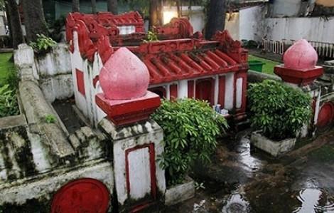 Bí mật ngôi mộ cổ trong công viên Tao Đàn