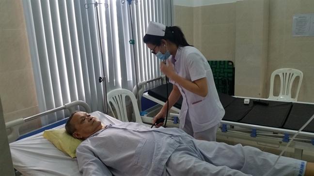 'Tong cong kich' dieu tri ung thu tuyen tien liet