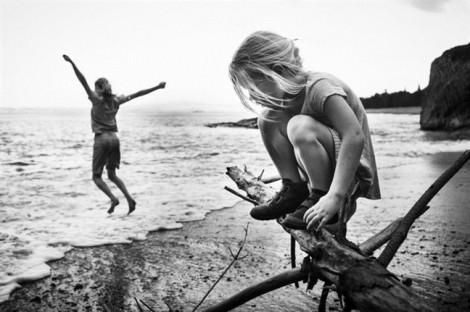 Bộ ảnh trẻ thơ hồn nhiên, hạnh phúc khi không nô lệ cho iPhone, iPad