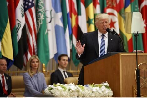 Tổng thống Mỹ vượt qua bài sát hạch đầu tiên trên sân khấu thế giới
