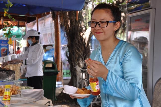Hon 300 mon an ngon thu hut thuc khach tai Lien hoan am thuc Dat phuong Nam
