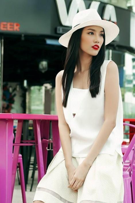 Người mẫu Lan Khuê với gu thời trang đời thường trẻ trung