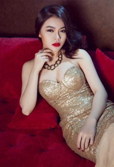 Giang Hồng Ngọc: 'Trang phục không phải hở, khoét sâu mới quyến rũ'