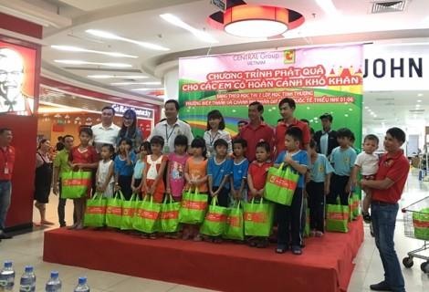 Central Group Việt Nam và Big C tặng 3.600 phần quà cho trẻ em