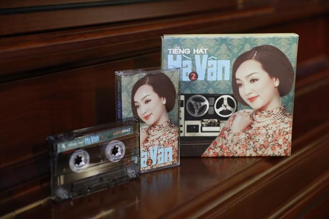 Ca si Ha Van muon gi khi phat hanh album bang cat-set?