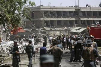 Hiện trường vụ đánh bom kinh hoàng ở Afghanistan
