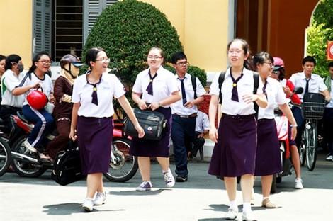 Trường THPT Thủ Thiêm, Q.2, TP.HCM: hai năm ba bộ đồng phục