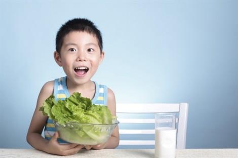 Theo dõi cân nặng của trẻ, nhưng đừng tạo áp lực cho mình