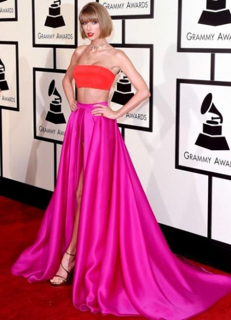 Gợi ý phối trang phục với tông màu hồng đỏ cá tính trong mùa hè