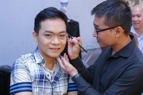 Cố ca sĩ Minh Thuận lại khiến đồng nghiệp rơi nước mắt