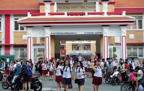 Trường THPT Thủ Thiêm, TPHCM: Hiệu trưởng ký độc quyền cung cấp đồng phục 10 năm!