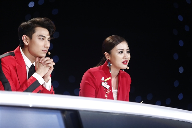 Thi sinh Vietnam Idol Kids bi 'chinh' vi co gong theo phong cach nguoi lon