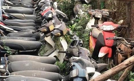 Trưởng Công an xã đem 20 xe vi phạm bán ve chai