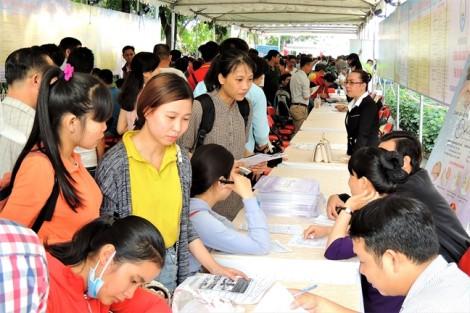 Gần 7.000 chỗ làm chờ người lao động