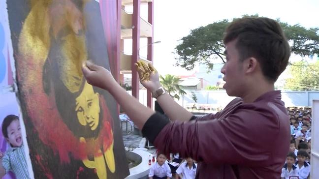 'Phu thuy' Pham Hong Minh: Doc hanh voi giac mo trinh dien hoi hoa