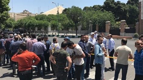 Iran rúng động vì IS tấn công vào thủ đô Tehran