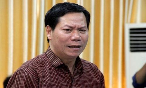 8 nguoi tu vong khi chay than: Tam dinh chi giam doc BV Da khoa tinh Hoa Binh