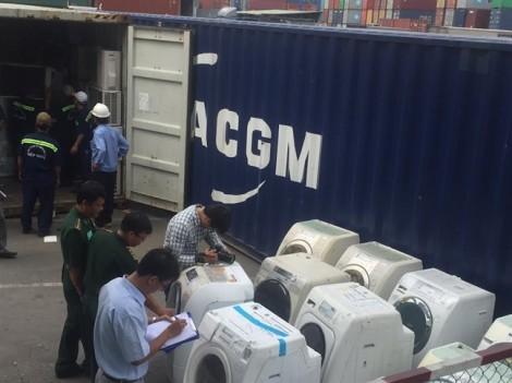 TP.HCM: Thu giữ hàng trăm chiếc máy giặt, tủ lạnh cấm nhập khẩu