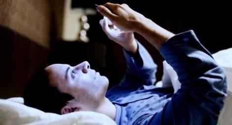 8 tai hại do smartphone đem lại, nhất là vào ngày cuối tuần