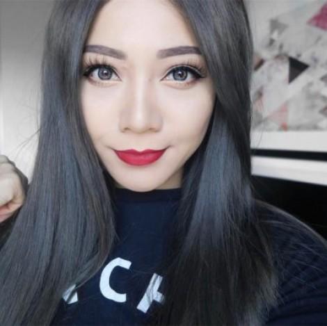 Nhuộm tóc màu than, xu hướng mới trên Instagram