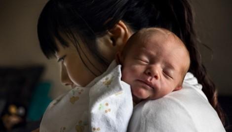 Chuyện người mẹ giết con: Đừng ném thêm gạch vào nấm mồ