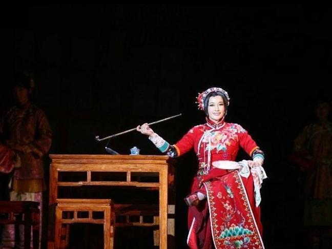 Luu Hieu Khanh: Toi gioi hon ca Elizabeth Taylor