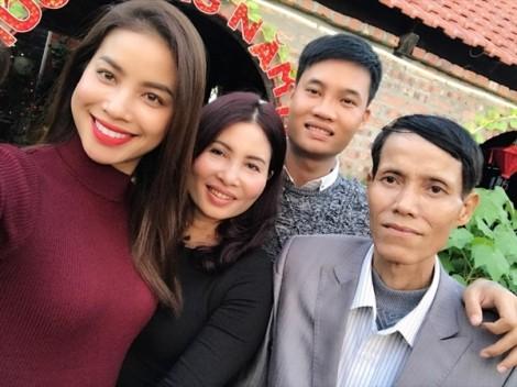 Những người cha in dấu trên con đường thành công của sao Việt