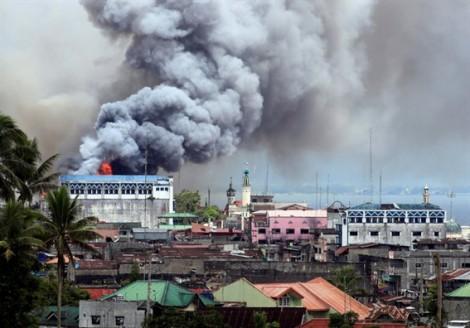 Tình người trong thành phố ác mộng của Philippines bị IS xâm lược