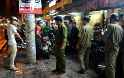 Bị ngăn cản khi vào bến đón khách, tài xế Grabbike kéo 40 người đi trả thù