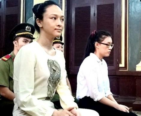 Hoa hậu Phương Nga bất ngờ từ chối luật sư ở phút chót