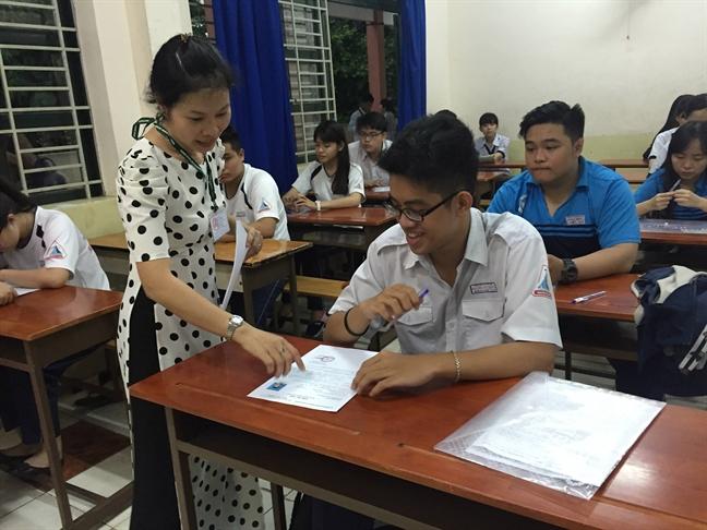 Bo truong Bo GD-DT Phung Xuan Nha: Khong gay ap luc nang ne cho nguoi thi