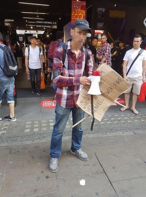 Giả là nạn nhân vụ cháy cao ốc London để xin tiền người qua đường