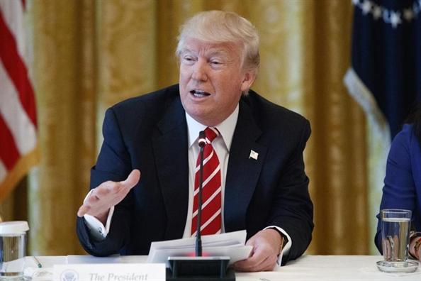 Tong thong Trump 'gian tiep thua nhan' Nga can thiep vao bau cu