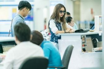 Á hậu Thúy Vân sang Singapore tư vấn thời trang cho giới trẻ