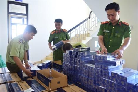 Bắt giữ ôtô chở 20.000 gói thuốc lạ ngoại nhập lậu