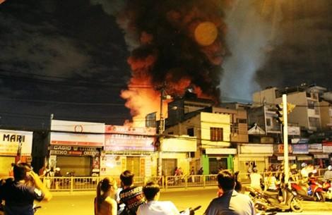 Toàn cảnh vụ cháy cực lớn ở Công ty cổ phần Kho vận Miền Nam