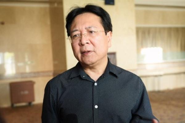 Thu truong Vuong Duy Bien: 'Thu tien tac quyen o benh vien, sanh khach san qua vo ly'