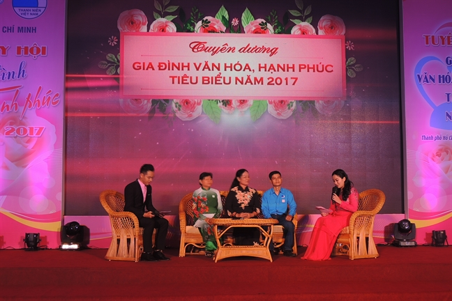Tuyen duong 100 gia dinh van hoa hanh phuc tieu bieu