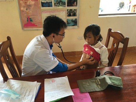 Dự án Thí điểm đưa bác sĩ trẻ tình nguyện về vùng khó khăn: Thêm nghĩa vụ để tương xứng với quyền lợi