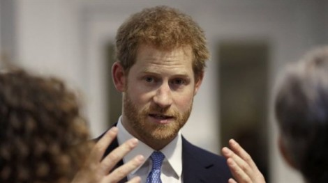 Hoàng tử Harry muốn 'rời khỏi Hoàng gia'?