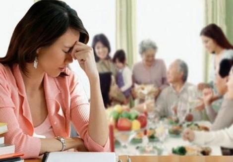 Xấu hổ đắng họng với mẹ chồng thích thể hiện